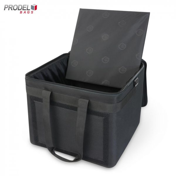 delivery bag with internal shelf